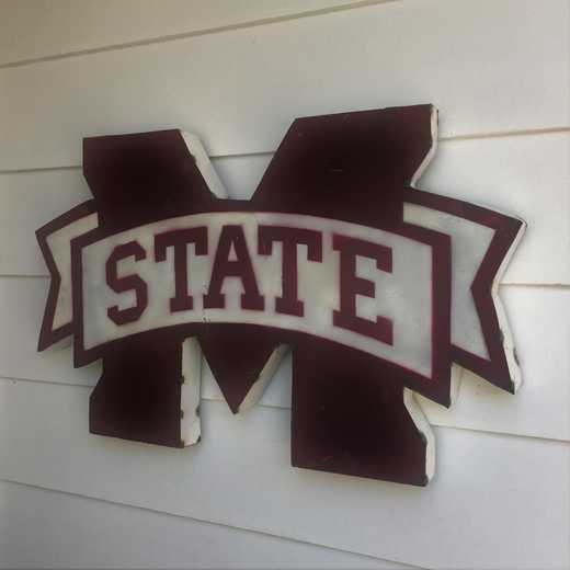 MSSTATEWD: MS ST Metal Décor