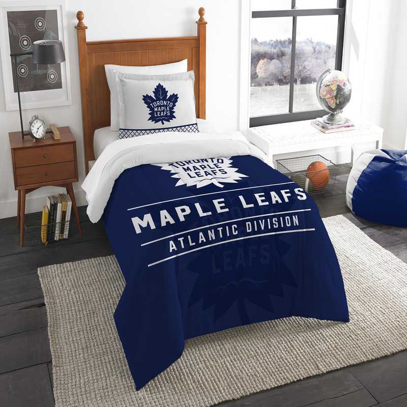 1NHL862010023RET: NW NHL TWIN COMFORTER SET, MAPLE LEAFS