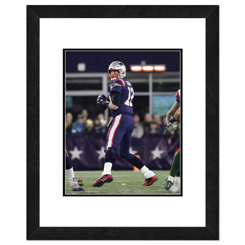 AAVT212-FH16x20: PF Tom Brady Action Photography, 18x22