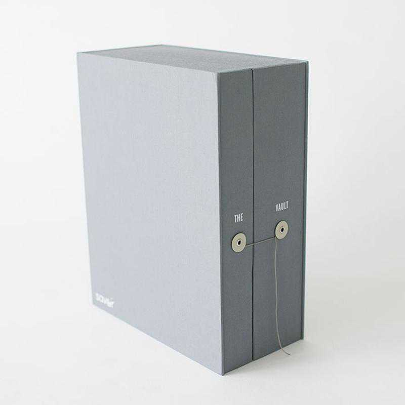 VAGR3: Grey Graduate Keepsake Box