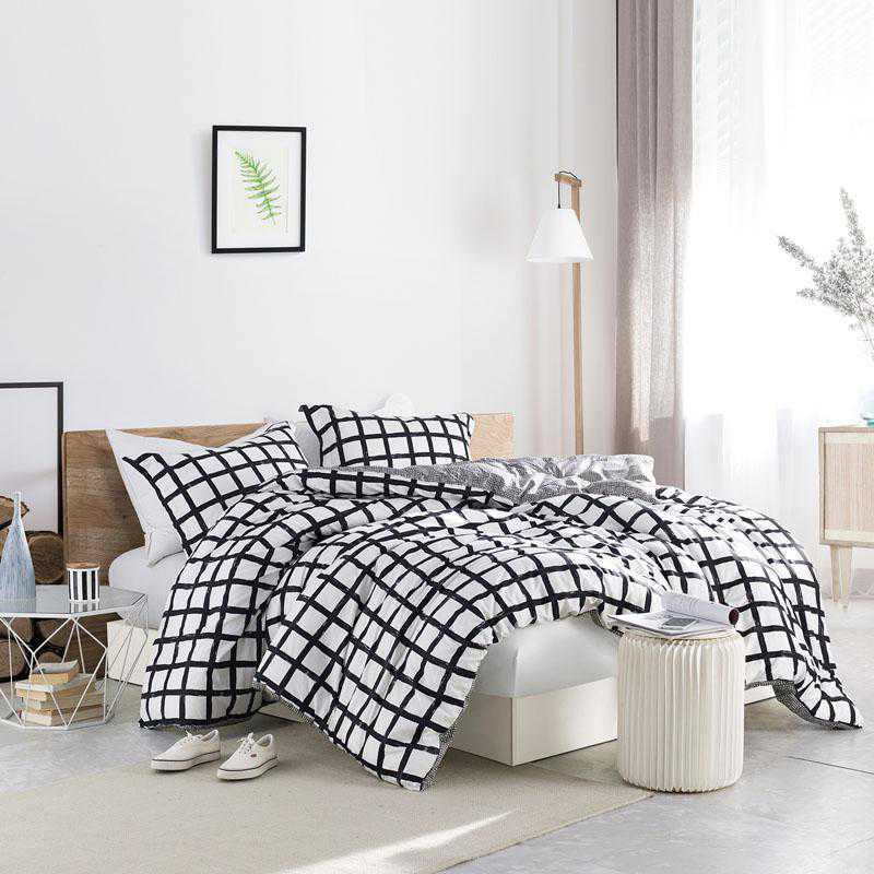 435-COMF-TXL: DormCo Chroma - Black and White -  Twin XL Dorm Comforter