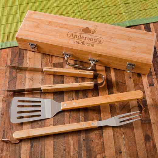 GC1477 CHEF: Monogrammed Grilling BBQ STW/Bamboo Case