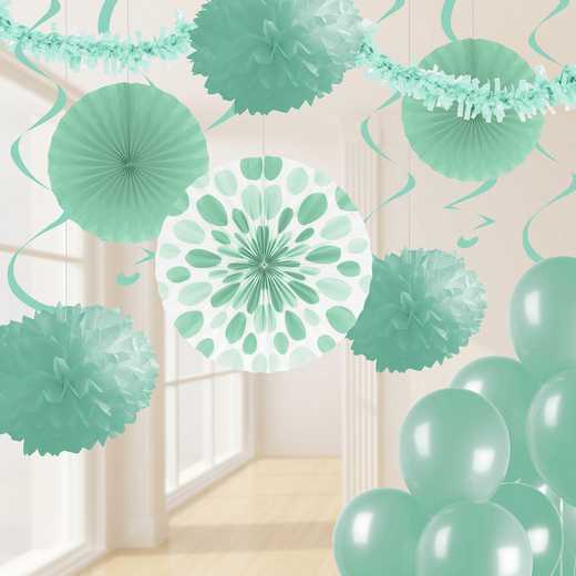 DTCFRMNT1A: CC Mint Green Party Decorations Kit